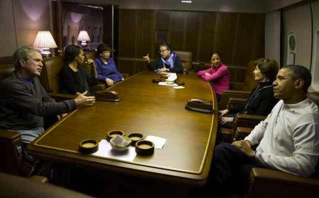 Obama George W casual-WH