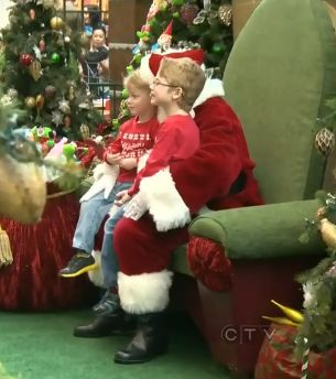 Santas lap with kids-CTVvideo