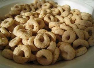 Cheerios from beckyhansmeyer - Flickr, CC license