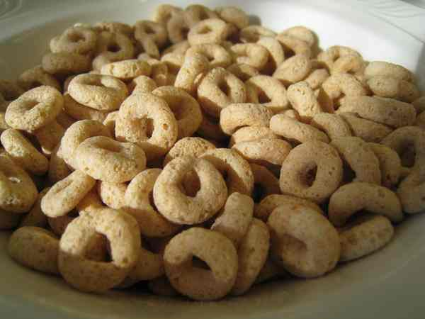 Cheerios from beckyhansmeyer - Flickr, CC license