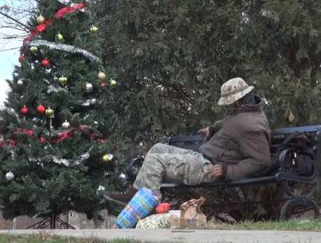 Christmas elves prank homeless