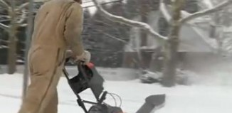 Snow-blower-Detroit news video