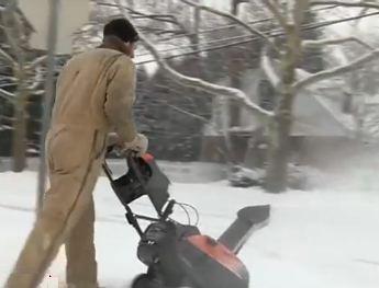 Snow-blower-Detroit news video
