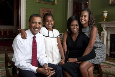 obama-familyportrait.jpg