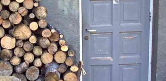 wood pile-ztephen-Flickr-CC