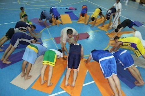 Yoga-Palestinian men training