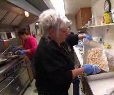 Lunch Ladies disaster volunteers-NBCvideo