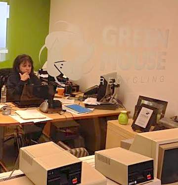 businesswoman GreenMouse-Recycling
