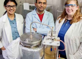 lab gets diesel fuel from plastic bags-Illinios Edu