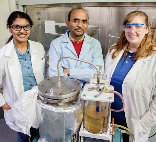 lab gets diesel fuel from plastic bags-Illinios Edu