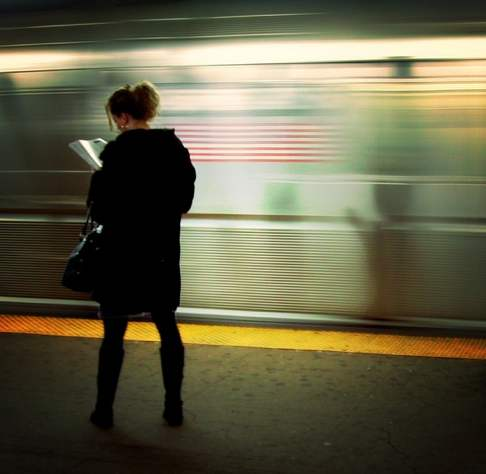 subway platform reading-moriza-Flickr-CC
