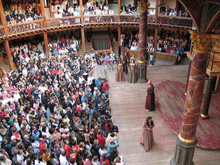 Globe_theater_Shakespeare_play-London-2006