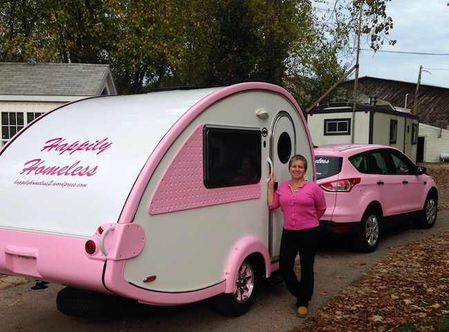 Happily_Homeless_pink_camper