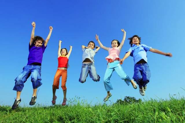 Kids_jump_for_joy_happiness-Flickr-Lighttruth-cc