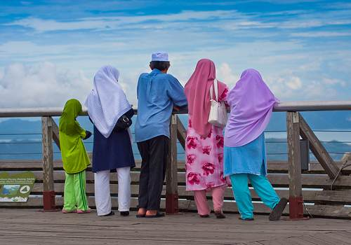 Muslim family in colors-Jim Boud-CC-flickr