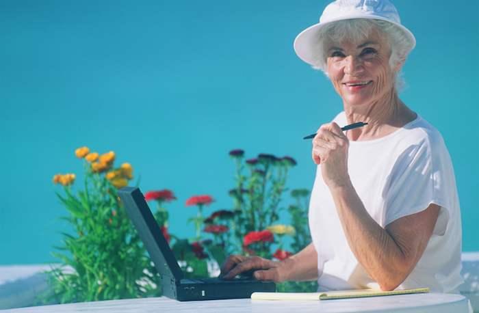 elderly-ext-with-laptop
