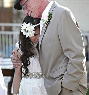 father-11yo-daughter-wedding-portraits-lovesongphotography-copyright-protected