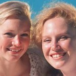 mom_and_daughter_look_like_sisters-SunStar