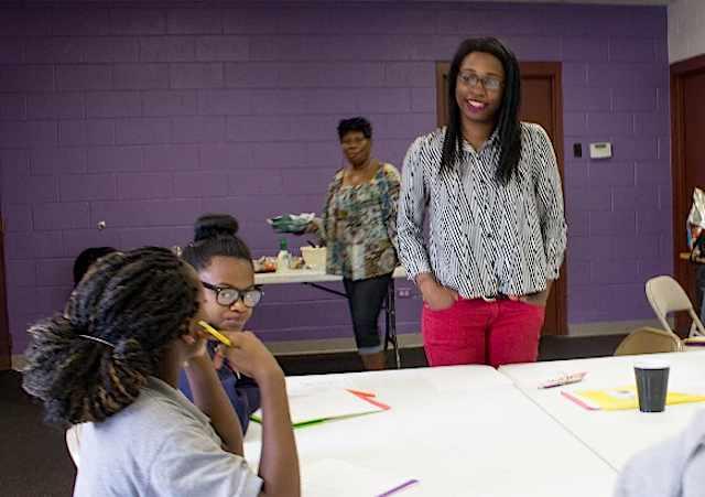 Eboni-Stevenson-mentoring-volunteer-MetroDenverPartners