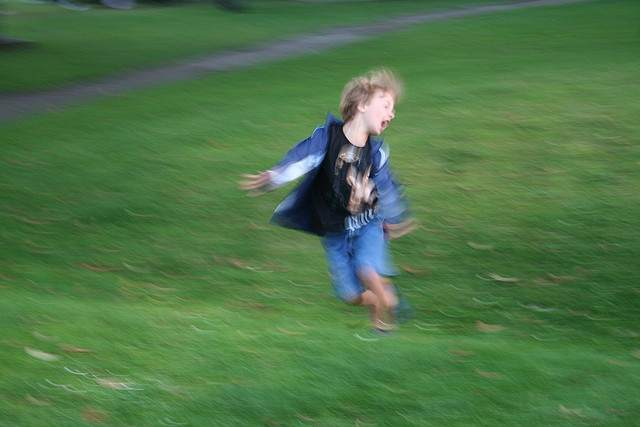 boy_running_on_grass-sarahwynne-flickr-cc