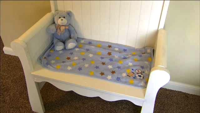 crib_made_into_bench_for_grieving-mom
