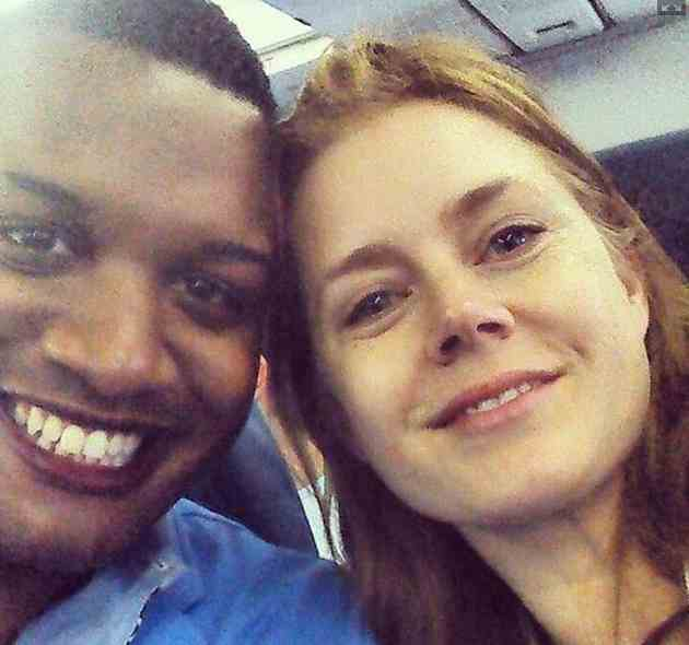 Amy-Adams-selfie-in-coach-Twitpic-MRERNESTOWENS