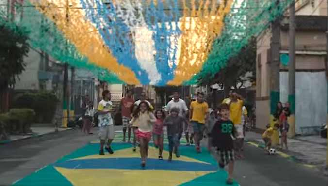 Brazil-Painted_Streets