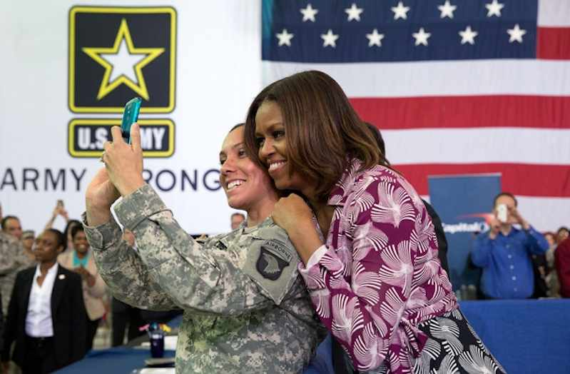 Michelle_Obama_with_soldier-WHphoto