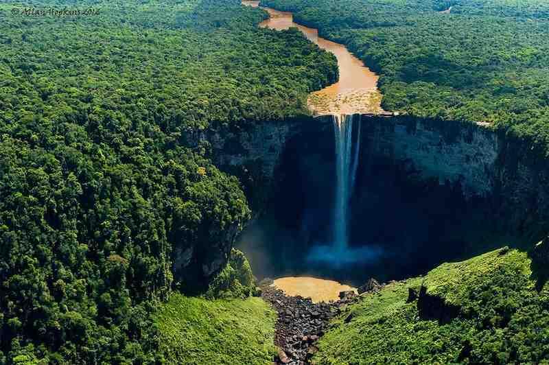 Potaro-river-Kaieteur-falls-Amazon-cc-Allan_Hopkins