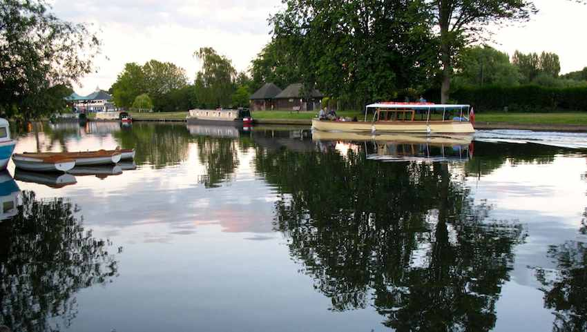 Stratford_Upon_Avon-river-sm