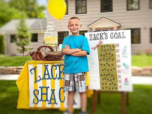 Zachs_Shack_lemondade_stand-LDS-Philanthropies