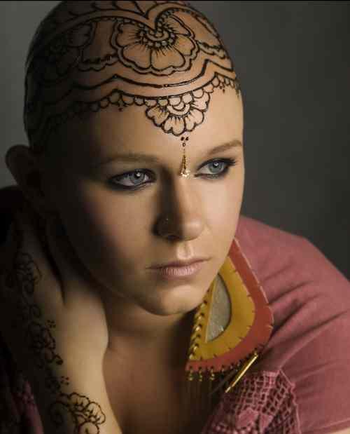 henna-heals-portrait-Katerina_Shaverova