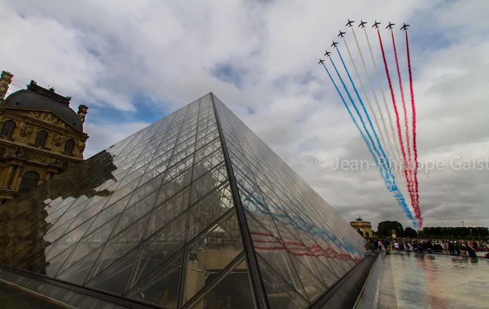 Bastille-Day-jets-louvre-Jean-Philippe-Gaist-CC-flickr