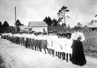 Daytona_School_with_Mary-Mcleod-Bethune
