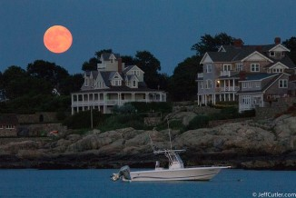 Supermoon in Cohasset, Mass. by Jeff Cutler