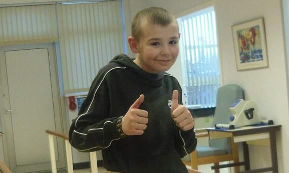 Kieran_Maxwell-UK-cancer-survivor-familyphoto