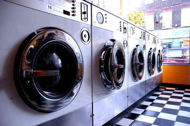 laundromat-CC-moonux-flickr