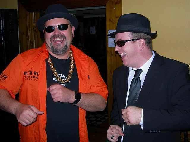 party-happy-friends-flickr-CC-SARCASTICALIOUS