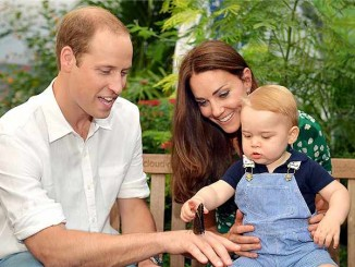prince_george-with-parents-butterfly-exhiibit