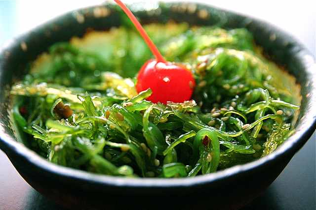 seaweed-salad-Steven_Depolo-cc