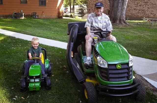 senior-toddler-Emmett_Erlin_lawnmowing_familyphoto