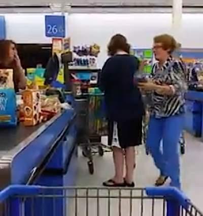 shopping-kindness-walmart-phonevideo-JasonYoshino