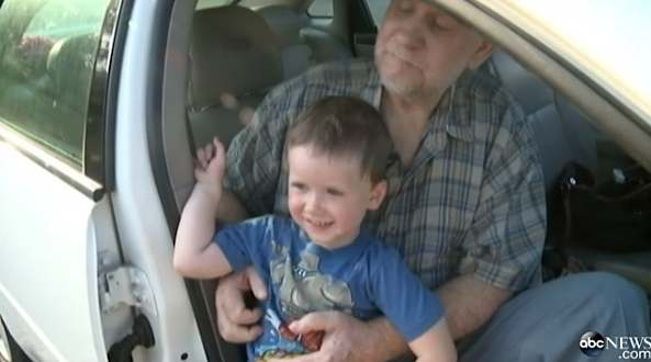 toddler-saves-old-man-in-hot-car