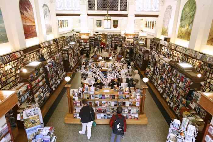 ws-Munros-books-victoria-BC-FBphoto