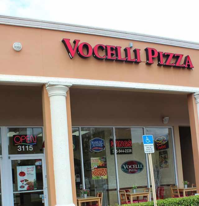 Vocellis-pizza-exterior-shop