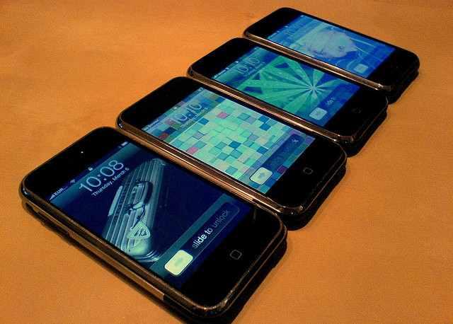 cell-phones-cc-OndraSoukup