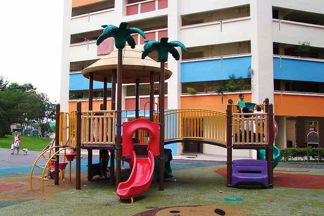 neighborhood-urban-playground-cc-JerryWong-640px