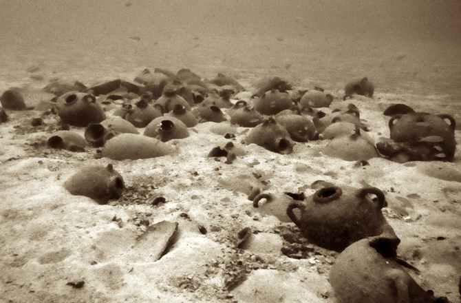 phoenician-shipwreck-cargo-amphorae-University-of-Malta