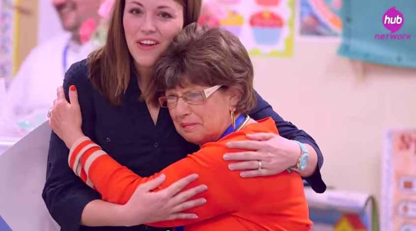 teacher-Nancy-Flexer-surprise-hug-Soul-Pancake-screenshot
