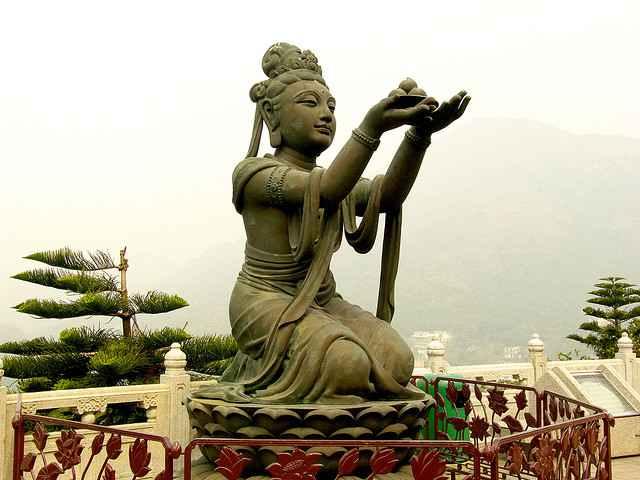 Buddah-statue-Hong-Kong-CC-Gouldy-flickr-640px